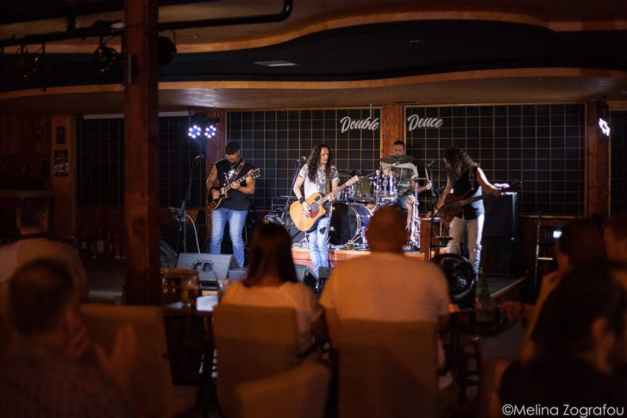 Live music bands at Double Deuce